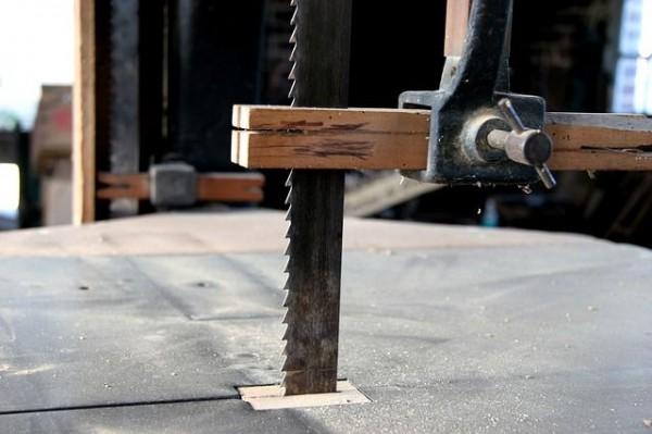 bandsaw-3573739_640-compressor